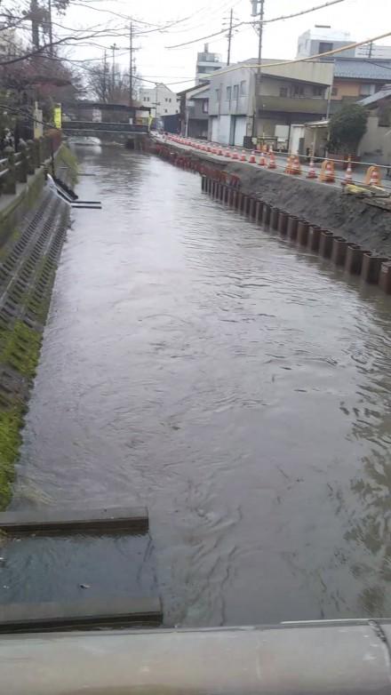 feb canal rainy winter_Moment